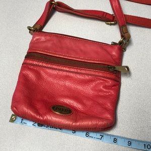 Fossil coral crossbody